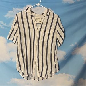 Girl Krazy- White & Blue Striped Button Up size M